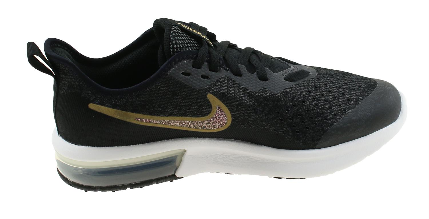 buy popular 4549d 571ff Nike Air Max Sequent 4 Shield Junior. AV4476 001 Black Metallic Gold.  Product afbeelding Product afbeelding ...