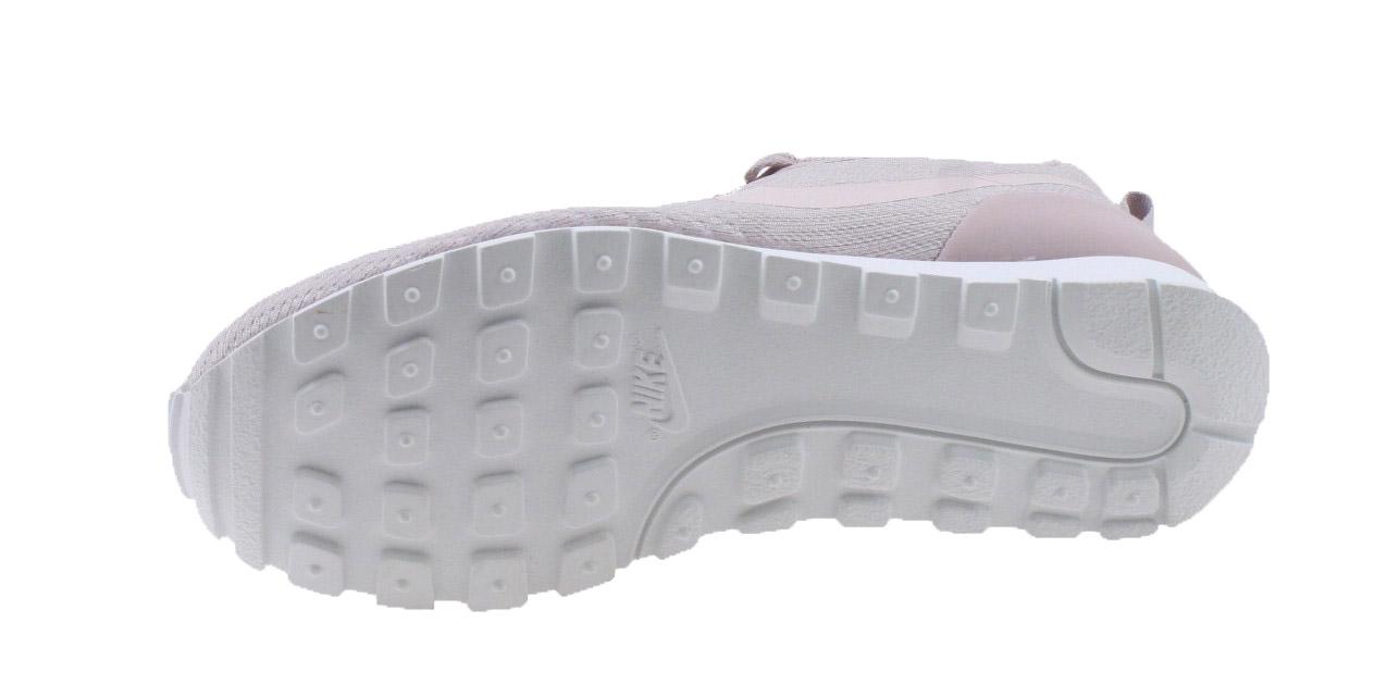 074b50bdf1b30 Nike MD Runner 2 Eng Mesh. 916797 601 Particle Rose Barely Rose. Product  afbeelding Product afbeelding Product afbeelding Product afbeelding